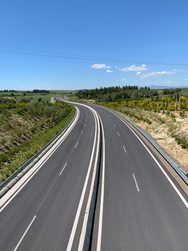 A four-lane motor highway